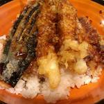 串天ぷら 段々屋 - 天丼(750円)