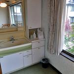出羽屋 - 客室の洗面台