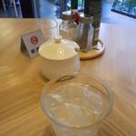 CAFE EST - 卓上