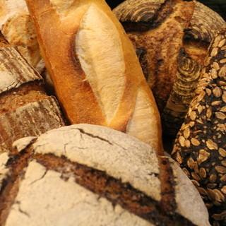 豊富な種類!ハード系のパンも充実!