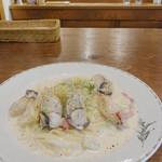 27243188 - 牡蠣と筍とキャベツのパスタ