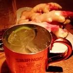 お箸BARおれお - 新生姜をすりおろして作る、おれおのモスコミュール。オープン当初から男性に人気なドライめのモスコです!