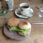 カフェ ポテリ - サンドイッチと珈琲