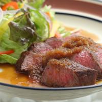 和処BAR輪 - 霜降りの入った希少部位を焼いた「能登牛のいちぼのステーキ」