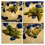 27253394 - 山菜の天ぷら4種。衣が薄く素材のお味を邪魔しませんね。