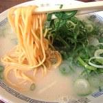 長浜ラーメン - 辛練ラーメン(650円)