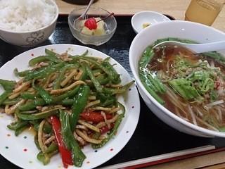 台湾料理 楽盛亭 - ピーマン肉炒め定食 900円