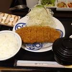 27267324 - 茶美豚ロースかつ膳(130g、1,530円)