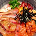 てんこち酒場 - 海鮮ユッケ丼  ¥680