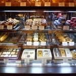 ペストリーショップ - ホテルブレッドと焼き菓子