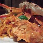 ラ ベラヴィータ - 渡り蟹丸ごと一匹使ってかに味噌たっぷりの渡り蟹のトマトクリームのリングイネ