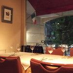 ラ ベラヴィータ - 外の景色を眺めながらテラス風の個室で