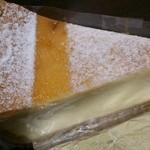 プティ・マリエ  - 焼きチーズケーキ