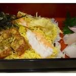 寿司 味処 河童 - 穴子ちらし・・ご飯は半量です。