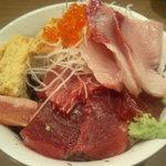 半上野 - 五色生丼