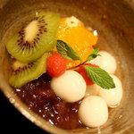 ハントコcafe - 白玉とフルーツマリネのクリームあんみつ 650円
