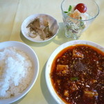 27300317 - たっぷり食べたい派ランチの、四川麻婆豆腐&御飯他