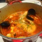 ピッツェリア&トラットリア マーノエマーノ - なんとか鯛のスープ仕立て ムール貝・浅蜊などがたっぷりです