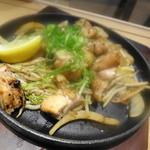 うどん宮武 - 鶏の鉄板焼き