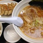 夜食屋らーめん民民 - 餃子ランチ(醤油らーめん)