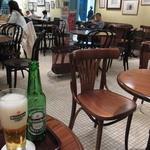 パティオ ドゥ メトロ - 店内は広くて座り心地の良さそうなソファ席もあります