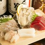 もくべぇ - 朝獲れの新鮮な旬魚を堪能できる『刺身五点盛り』