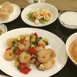 中国料理 白楽天 - 「白楽天」でランチをいただきました^_^ エビがぷりぷりで最高〜!