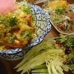 tairyourisemmontentaitai - カニカレーとヤムウンセンと豚肉の炒めもの