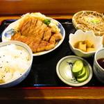 力鶴 - 焼肉定食