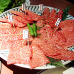 紋次郎 - 料理写真:上物5種盛合せ(7344円)のおにく。三角バラ、ハラミ、芯ロース、みすじ、ザブトン
