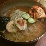 牛徳 - 冷麺