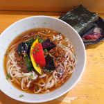 なごみだいにんぐ飛梅 - 肉味噌冷しうどん(¥700+おにぎり¥60)。期待以上のコシ、ちゅるちゅる感!