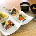 八風 別館 - 料理写真:お昼のお食事【白樺膳】