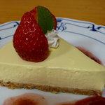 いちご畑 - レアチーズケーキ
