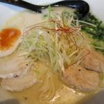 錦 - 鶏肉と鶏卵と鶏白湯