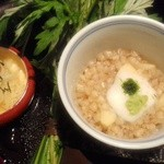 馳走飯田 - 「新じゃがと三つ葉土佐酢和え」と「蕎麦の実蒸し」