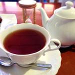 27347646 - ケーキセットの紅茶(ポットで提供)