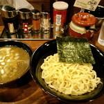 魚之助 - ど煮干つけ麺(2013,11)
