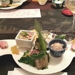 27354831 - 『前菜盛り合わせ』                                              ズワイ蟹、牡蠣、蛍烏賊、本鱒などなど。