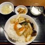 天縁飯店 - 牛バラ角煮丼