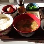 27356331 - とん汁納豆朝食(ご飯ミニ -30円) 378円