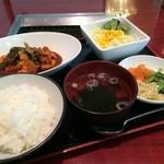 27356459 - 若鶏のピリ辛煮定食