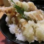 食鮮回転寿し漁郷 - すし屋の天丼