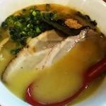 燦虎 - 限定 つくば軍鶏と丸鶏を使った濃厚鶏白湯