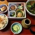 27363140 - つるが定食 ¥1,000(税別) 温蕎麦バージョン