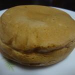 蜂楽饅頭 - 白の十円焼き