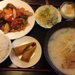 27364795 - 酢豚定食 980円