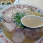 福龍軒 - 豚骨ストレートスープ