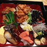 華屋 - 鶏照り焼き弁当(1,100円)2014年5月