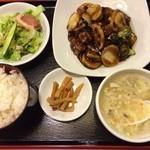 天津菜館 - 黒酢スブタ定食
